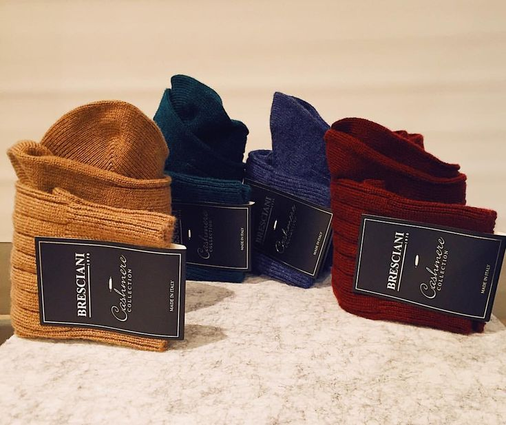 """""""Mi piace"""": 55, commenti: 3 - Henry Bucks (@henrybucks) su Instagram: """"These cosy, pure cashmere socks by Bresciani are perfect for those chilly winter days."""""""