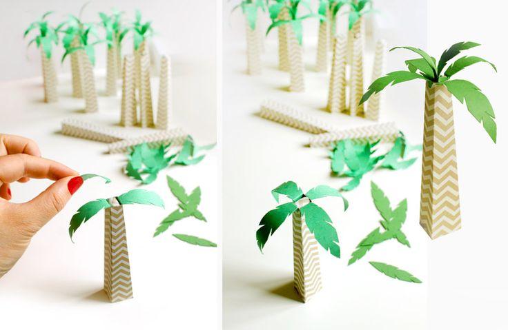 une d coration de table en papier avec un go t de soleil des palmiers des fraises tous vos. Black Bedroom Furniture Sets. Home Design Ideas
