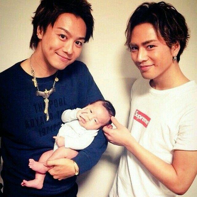 幸福寶寶在Takahiro和Omi的合照