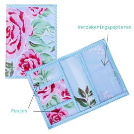 Autopapierenmapje rozen met insteekmapjes voor pasjes.