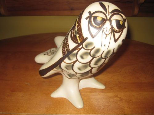 STRAWBERRY HILL POTTERY STANDING OWL FIGURINE THUNDER BAY CANADA STUDIO