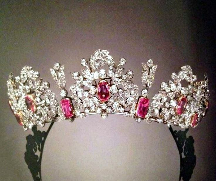 The pink topaz tiara of the Royal House of Savoy