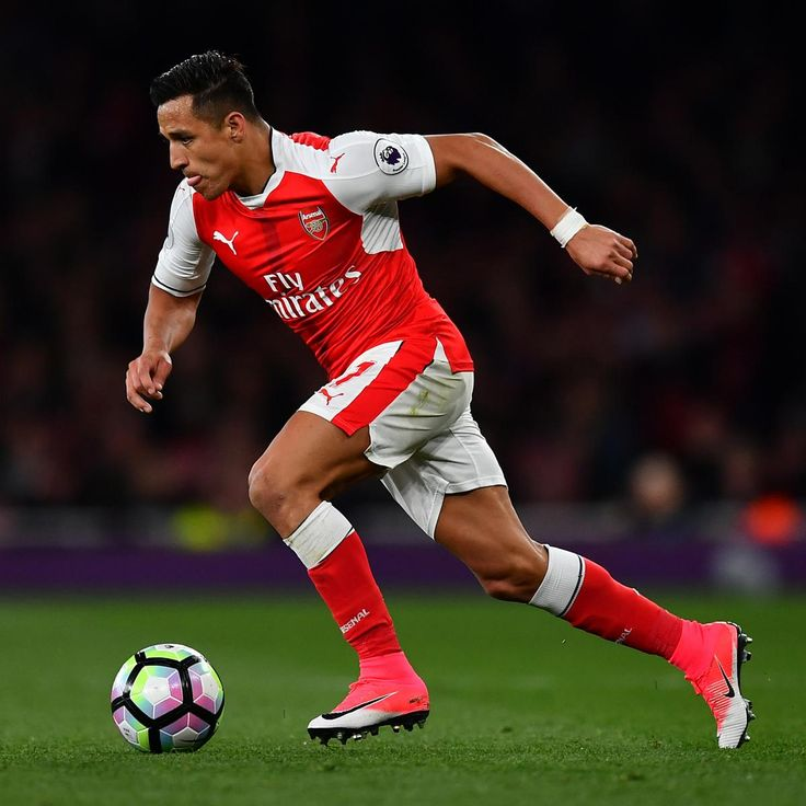 Arsenal Transfer News: Alexis Sanchez Reportedly Favours Man City over Chelsea