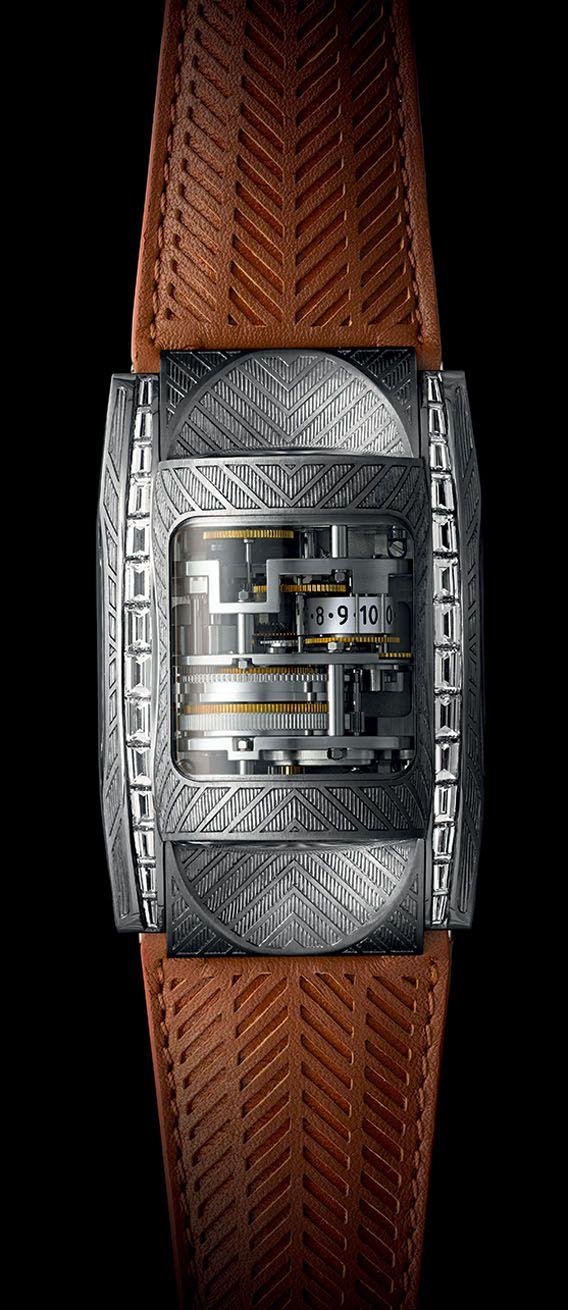 La Cote des Montres : La montre Parmigiani Bugatti Victoire - Évocation des traces de freinages laissés sur la piste par un bolide à la poursuite d'exploits