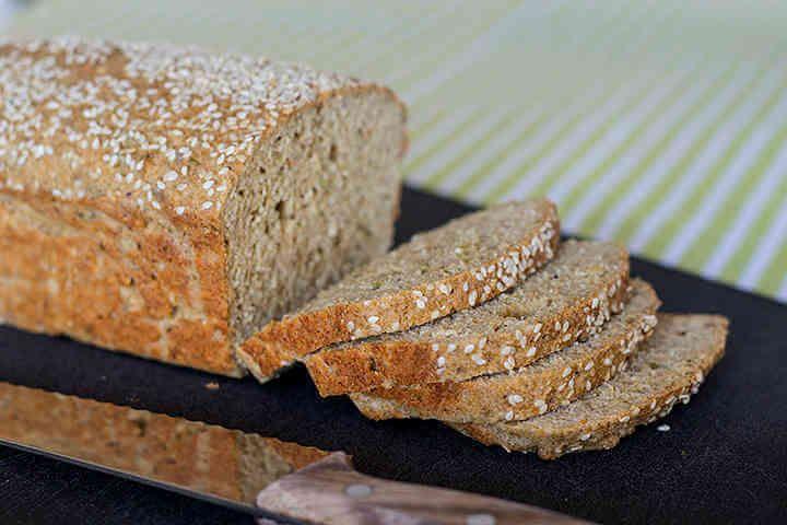 Ett LCHF-bröd med namnet sesamfranska som är naturligt glutenfritt, gott och utan mandelmjöl vilket är bra för de som inte tål mandel.