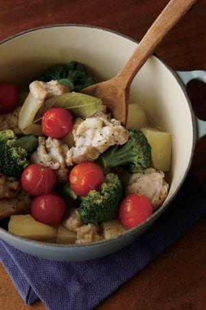 肉も野菜もたっぷり!鍋ひとつでできるお手軽レシピをご紹介♪【オレンジページ☆デイリー】料理レシピをはじめ、暮らしに役立つ記事をほぼ毎日配信します!