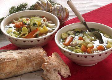 Suppe med urter og boller