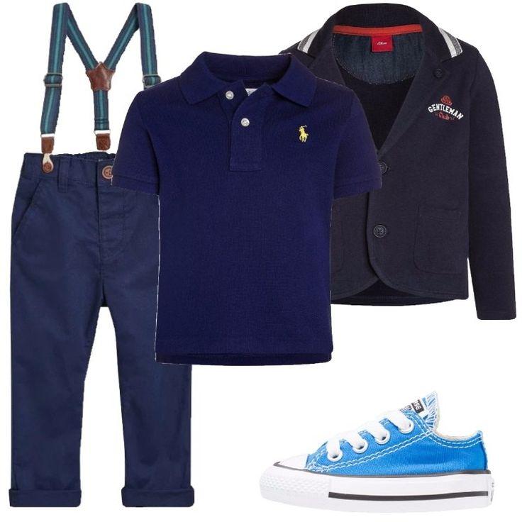 Un outfit composto da un pantalone con le bretelle, una polo blu, un blazer, ed un paio di Converse celesti basse, è perfetto per un bimbo che amiamo vedere elegante sempre.