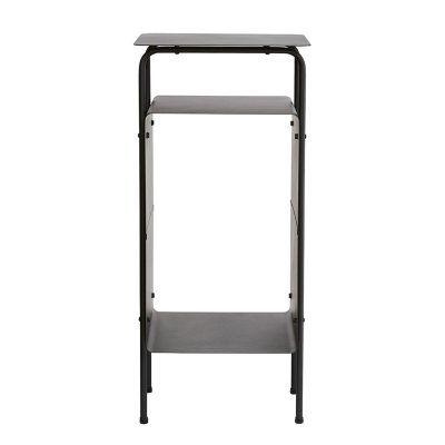 Room sidobord från House Doctor. Ett elegant svart sidobord med tre avlastningshyllplan. Funkar likv...