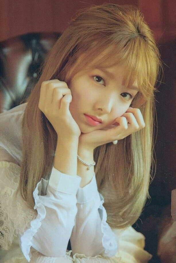 """Twice-Nayeon """"FIRST LOVE"""" 2018 Season's Greetings"""