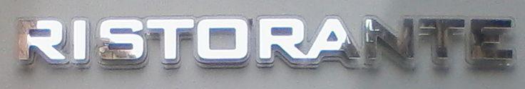 Lettere per Scritte a LED PL9 Fino a un massimo di 20 lettere 190 € Grandezza max 100 cm x 24 cm h Compralo ora: http://scrittealed.com/Scritte%20luminose%20specchio3.html