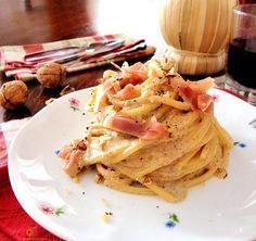 Spaghetto quadrato con noci, Speck e gorgonzola