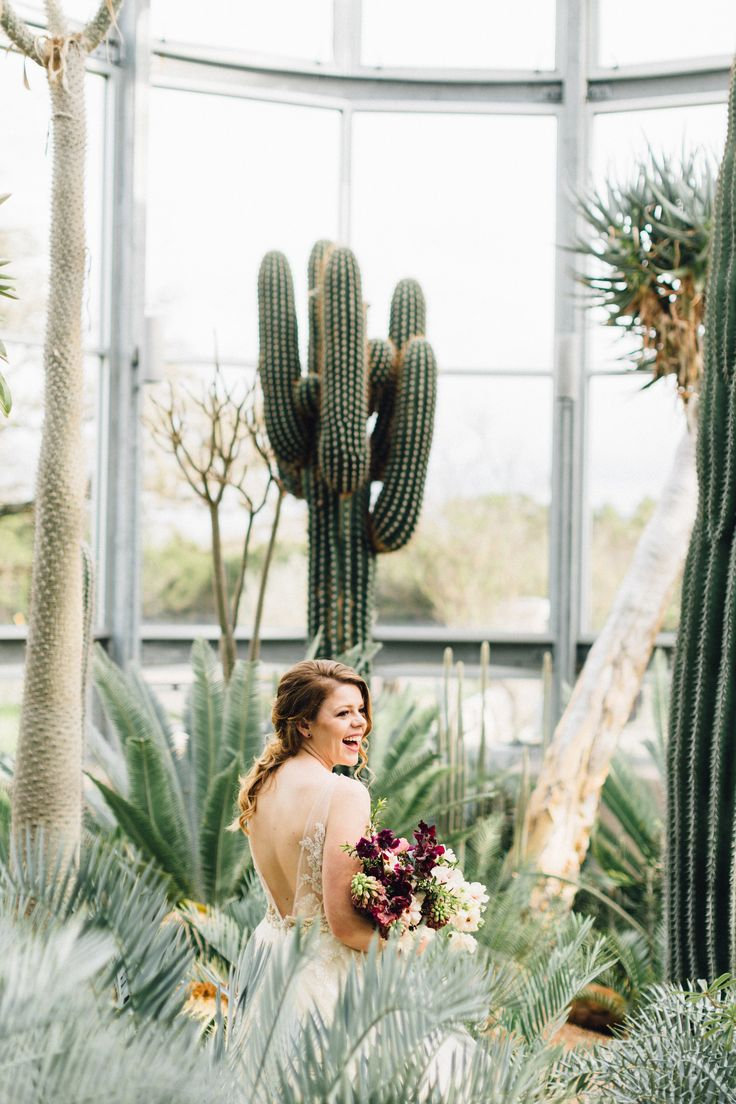 The greenhouse collective - Floral By Color Theory Collective Romantic Southwest Styled Wedding Plum Champagne