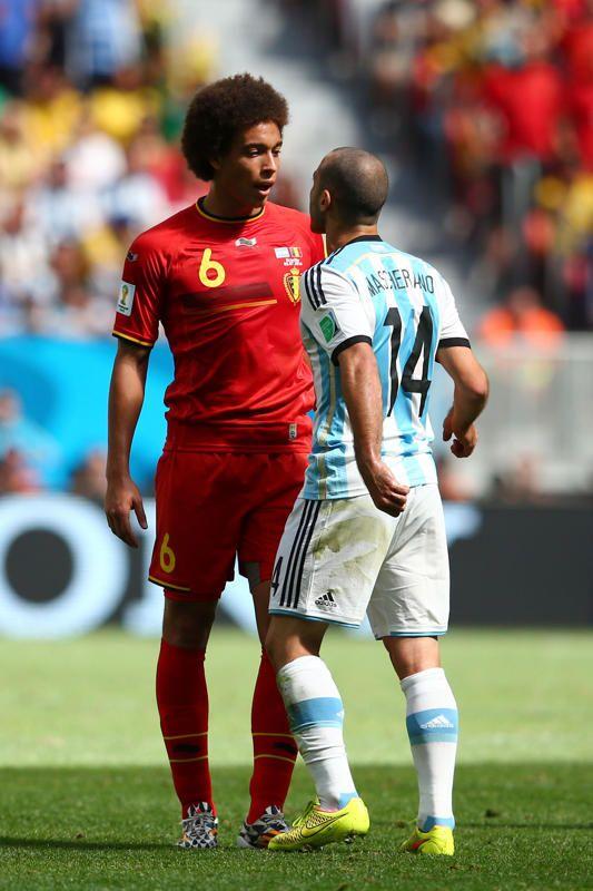 Petite tension entre Axel Witsel et Javier Mascherano.