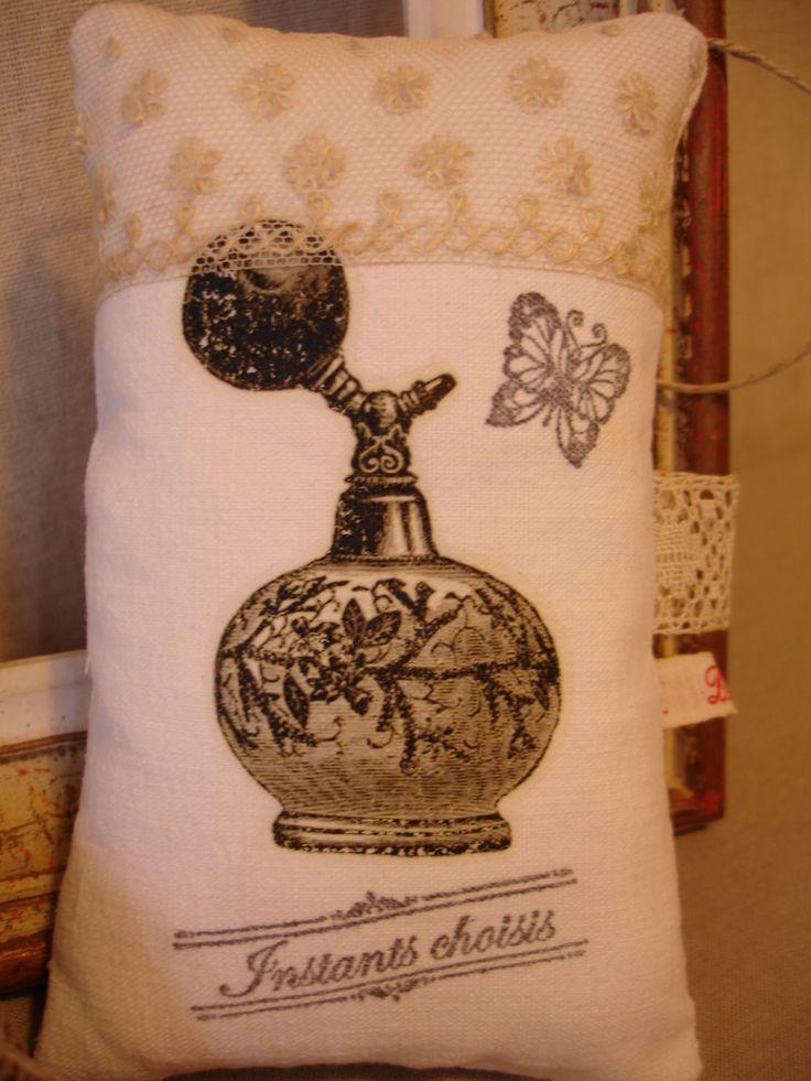 collection nostalgie bijoux de porte au c ur d. Black Bedroom Furniture Sets. Home Design Ideas