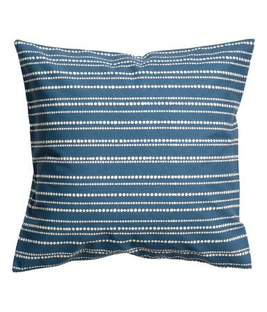 Blue/striped. Cushion cover in woven cotton fabric with a printed pattern. Concealed zip.