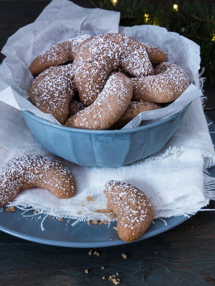 Walnuss-Nougat Kiperl, Linzer Plätzchen und Haselnuss-Schoko & Mandel Orangen Taler, sind vier Weihnachtskekse die ich backen MUSS, lach!...
