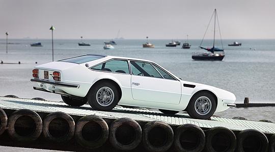 Lamborghini Jarama 400 GT:  A thug in a tailored suit.