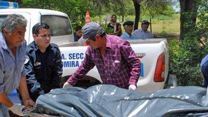 Una joven fue asesinada de 11 puñaladas frente a su hija de cuatro años: El feroz ataque ocurrió en una vivienda del interior santiagueño.…