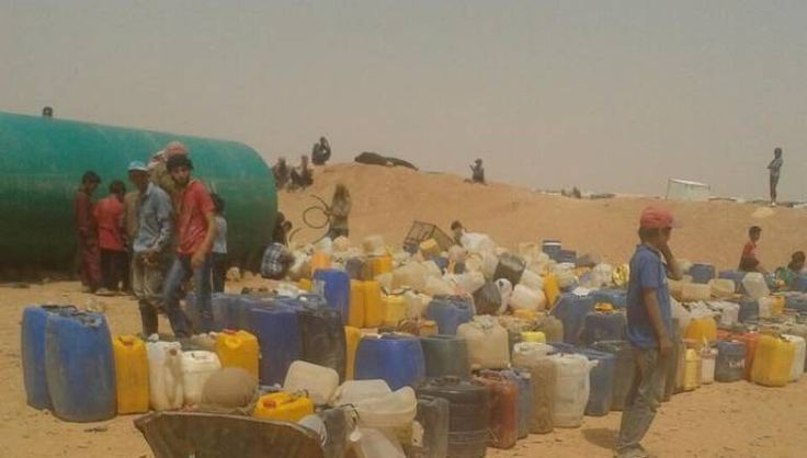 60.000 pengungsi Suriah terdampar saat Yordania menutup perbatasannya  HOMS (Arrahmah.com) - Lebih dari 60.000 pengungsi Suriah di kamp Rukhban telah terdampar ketika Yordania menutup perbatasannya dengan Suriah setelah serangan bom yang terjadi pada Selasa (21/6/2016).  Aktivis dan dewan lokal oposisi Suriah di pedesaan timur Homs telah meminta Kerajaan untuk mengambil para pengungsi karena situasi kemanusiaan yang parah.  Para pekerja bantuan internasional juga telah memperingatkan bahwa…