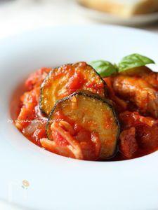 フライパンで簡単☆チキンとズッキーニのトマト煮