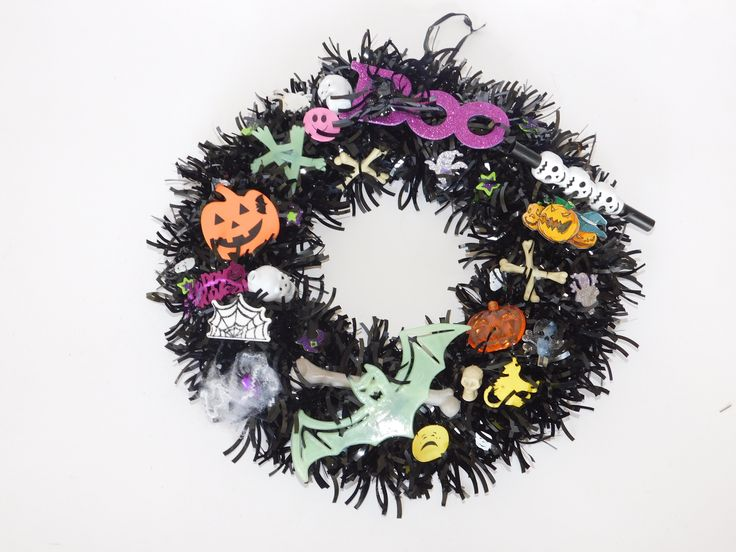 handmade Halloween wreaths in wide selection on our webpage