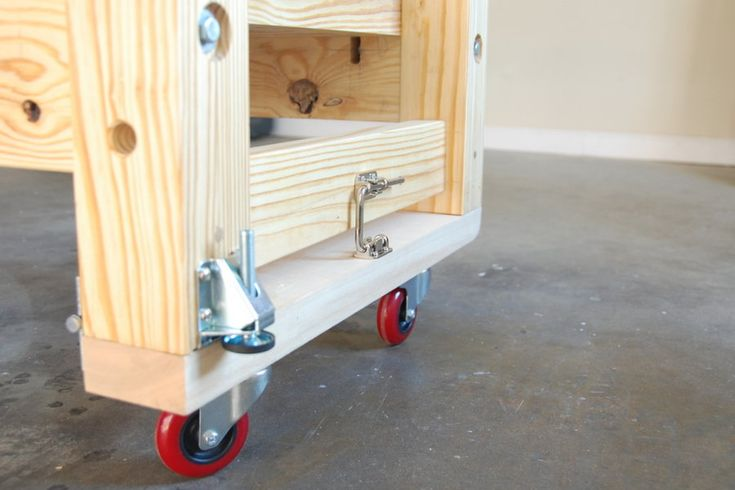 Mobile Workbenches For Garages : Mobile torsion box workbench buscar con google