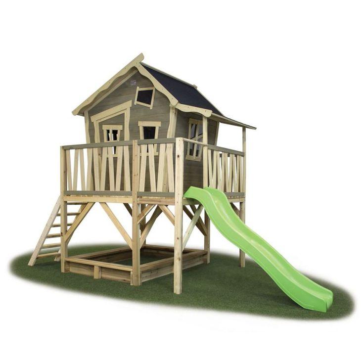 Exit Crooky 550 on isokokoinen leikkimökki jossa on terassi, liukumäki sekä hiekkalaatikko!