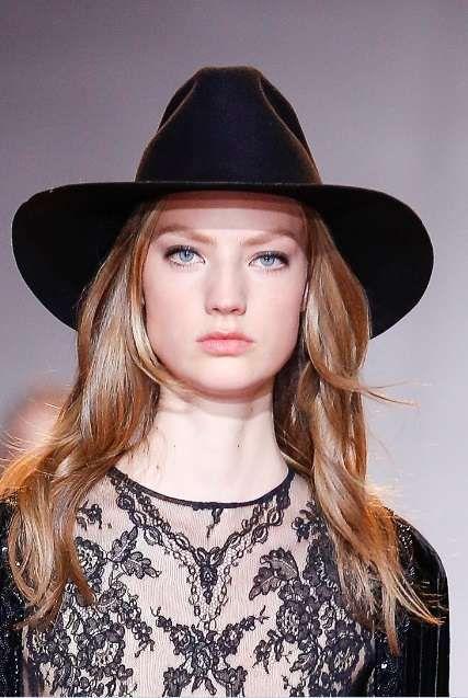 Tendenze beauty autunno-inverno 2016-2017 Haute Couture Parigi - Eyeliner nero e mascara da Zuhair Murad