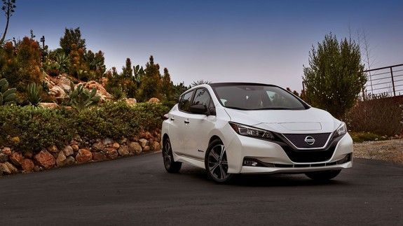 Nissan Leaf takes on Tesla with 150-mile range and a $30000 price tag