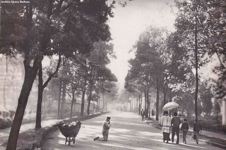 Parque de la Independencia en los años 30. Fotografía Ronny Jaques.