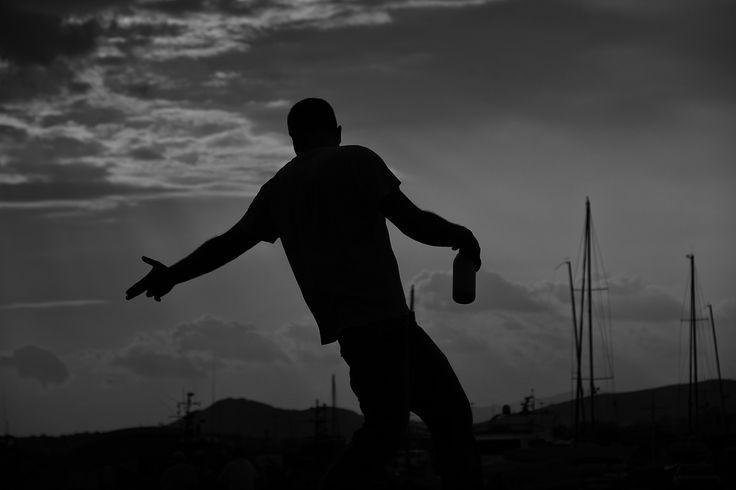 Shoot the drop.  #flairbartendinggreece
