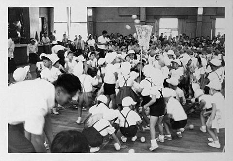 1967年 幼稚園運動会 玉入れ