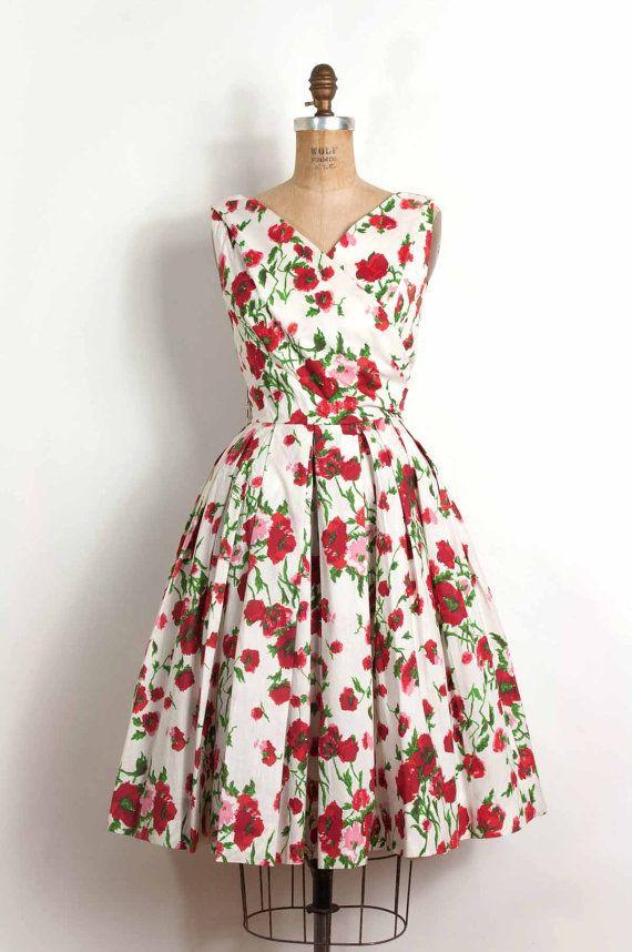 Vintage 1950s dress / 50s floral dress (small)