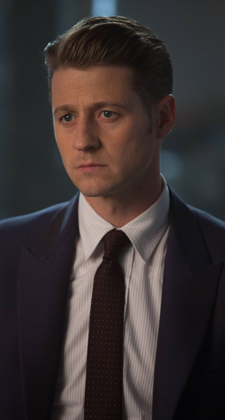[ben mackenzie] Mr. Peter Keing, a very drunk, very bad ex-lawyer . He entered the supernatural world when he ran into Octavia during a job. He was taught by her very basic spells, but prefers non-magical fighting. Now, he hunts with her and Winn. At first, he hated Winn, but after hearing she listened to Journey, they became best friends. He thinks of her as a little sister, and him the big, overprotective brother. She often helps him out of his alcohol problem, although he still loves a…