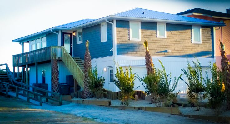 TOPSAIL BEACH RENTALS The Happy Manatee House Topsail Island, North Carolina http://www.topsail-realty.com/booking/happy-manatee/288