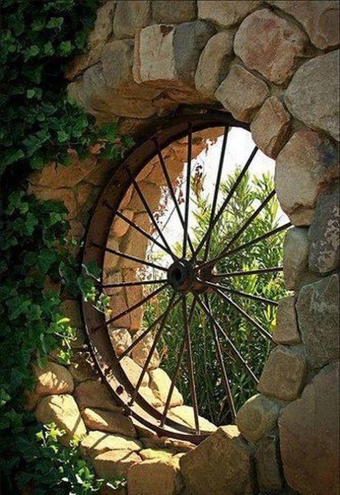 wagon wheel window.... love it