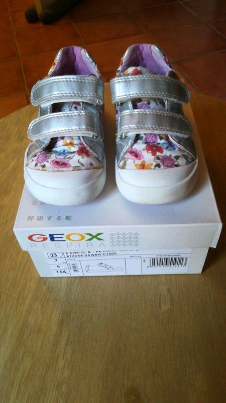 fa37e351cfd6f Baskets Geox taille 23