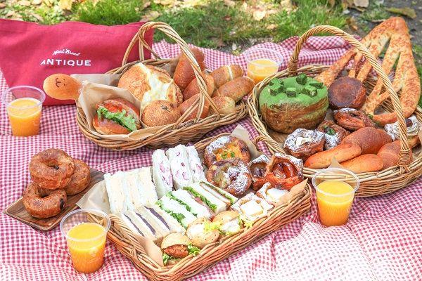 ANTIQUE アンティーク   【公園ランチ】良い天気の日は、おいしいパンと一緒にお出かけしようっ♪