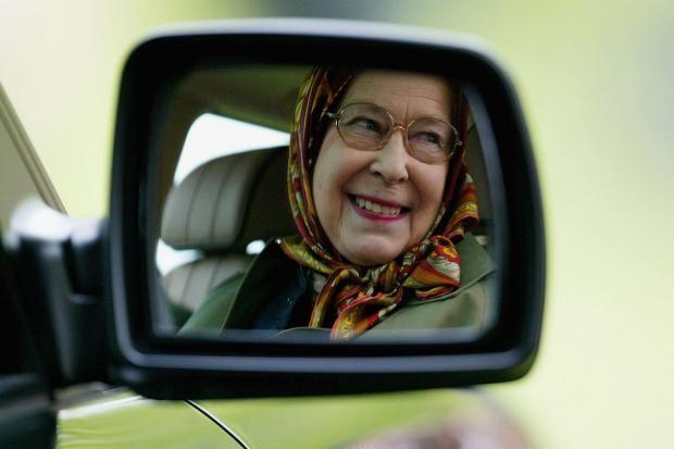 Елизавета II продает эксклюзивное личное авто   https://joinfo.ua/showbiz/1209771_Elizaveta-II-prodaet-eksklyuzivnoe-lichnoe-avto.html