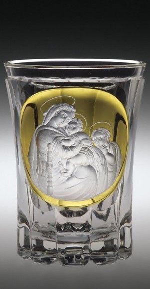 Pfeiffer, Anton Heinrich (1801-1866), Engraver1835 - 1835 Ze sbírky vlastníka Corning Museum of Glass    Název: Beaker with Madonna della Sedia     Datum: 1835 - 1835     object name: Beaker with Madonna della Sedia     engraver: Pfeiffer, Anton Heinrich (1801-1866), Engraver     dimensions: Overall H: 12.5 cm, Diam: 9.2 cm