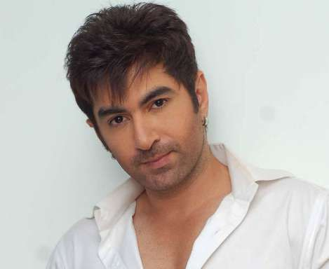 Jeet Actor Biography, Wife, Height, Weight, Age, Family, Upcoming Movies. Jeet Date of Birth, Net worth, Salary, House Address, Phone Number, Marriage Photo