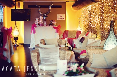 Costa Women Marbella: 50 Shades of PINK, VIP lounge decoration from Reviva Weddings, picture by Agata Jensen