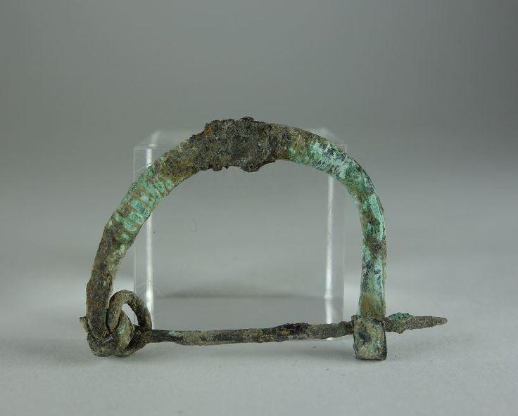 Greek bronze brooch Greek fibula, 6th-4th century B.C. 3.4 cm long. Private collection