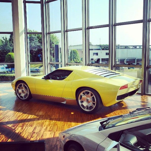 2006 Lamborghini Miura concept. Check those wheels!