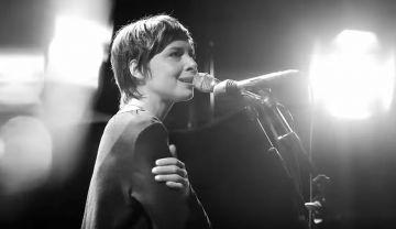 Melanie de Biasio - Live @ FIP (Maison de la Radio) 2016 - http://cpasbien.pl/melanie-de-biasio-live-fip-maison-de-la-radio-2016/