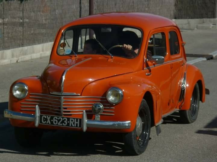 Orange Renault 4cv Renault Voiture Accessoire Remorque