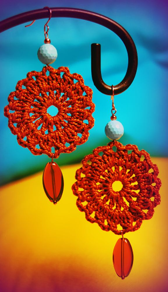 My first #crochet earrings. I have followed just a simple circle #chart, but the effect is nice, isn't it?