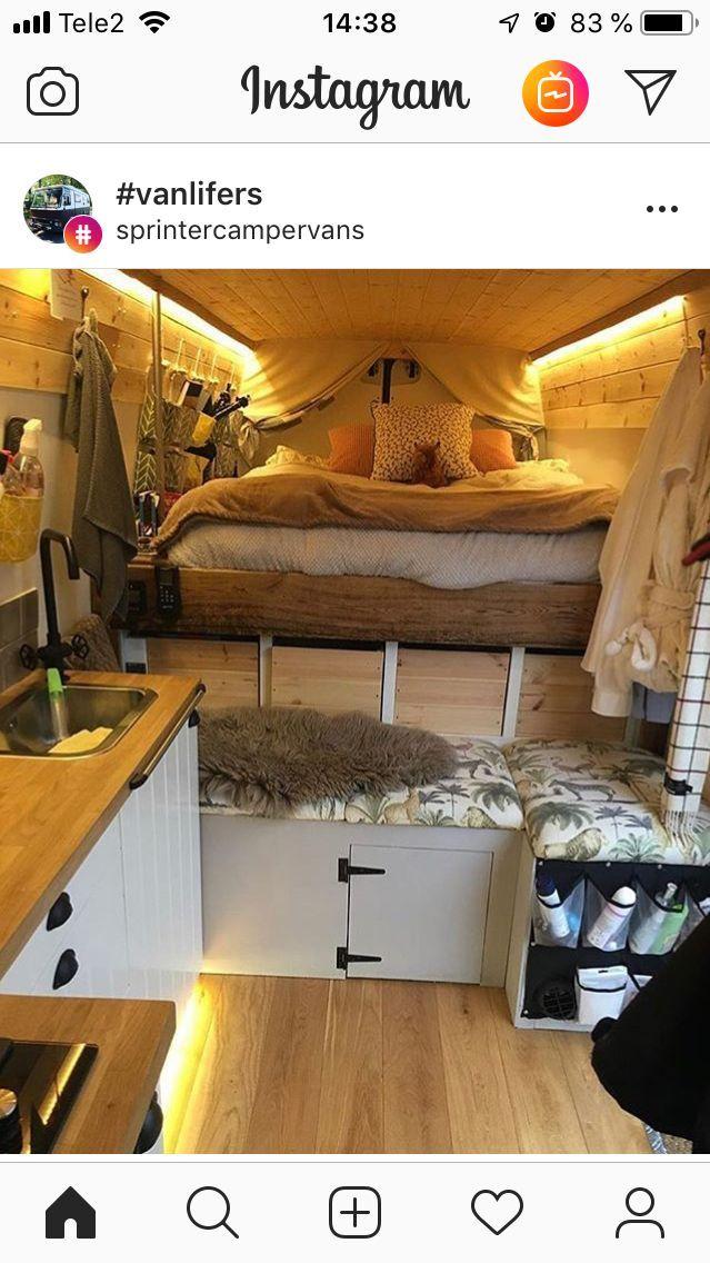 Sprinter Van mit Bett in die richtige Richtung (für uns) … nicht über jedes klettern …