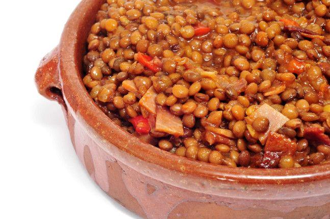 Le lenticchie in umido sono un grande classico delle feste. La ricetta: http://www.unadonna.it/natale/lenticchie-in-umido/61733/